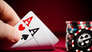 Exactly How To Play Texas Hold'em At High Blind Degrees