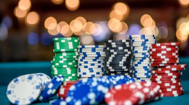 Understand The Diverse Facets Of A Domino Poker Game