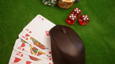 Five Truth On Online Casino